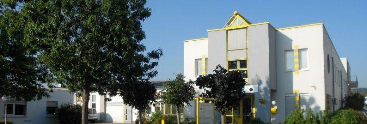Schütz Dental Firmengebäude Rosbach